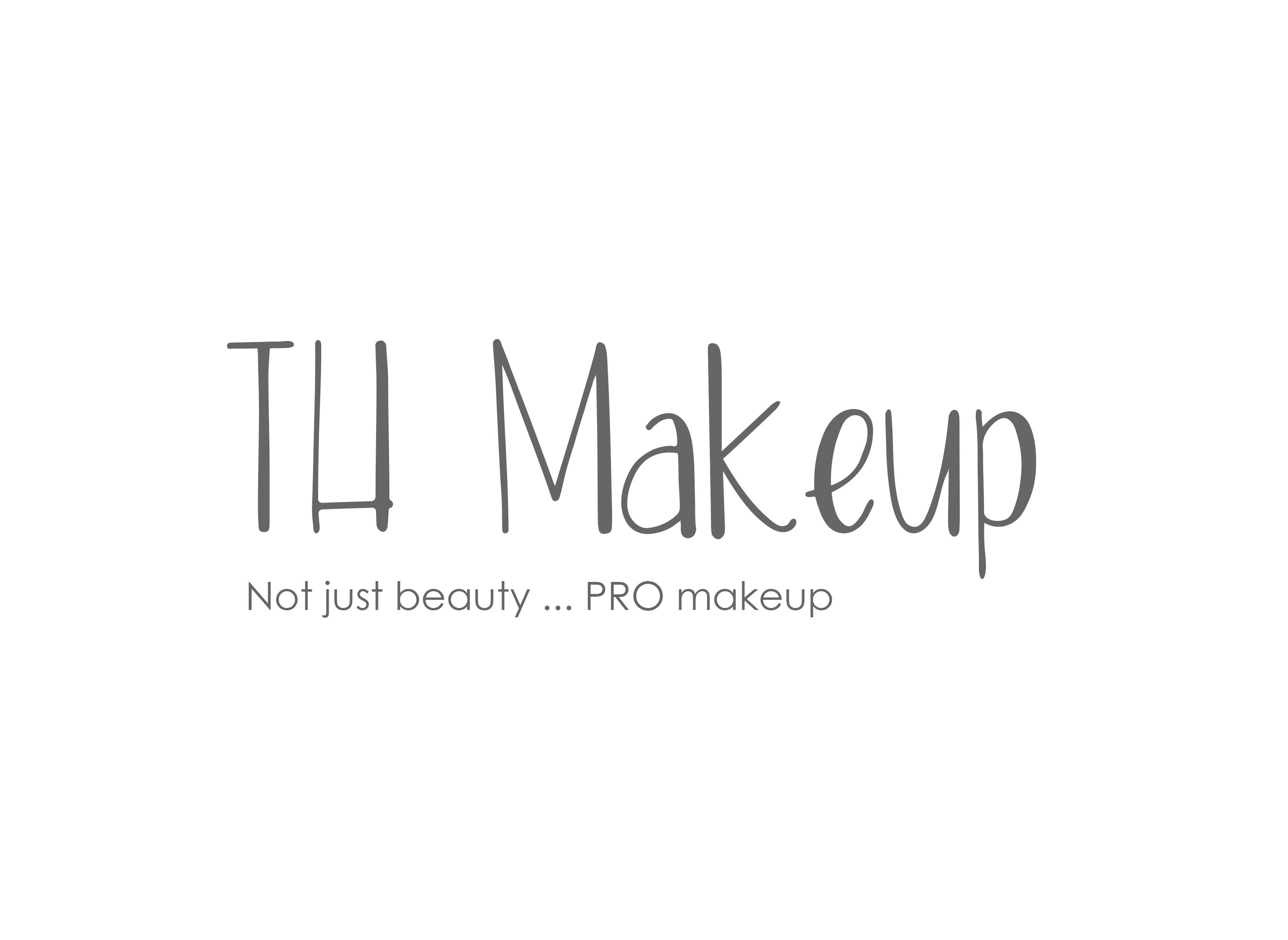 Paradise Makeup AQ Empty Palette Professional size